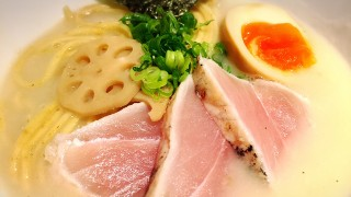 全国唯一!魚介白湯ラーメンが味わえる、大阪阿倍野『麺と心7』