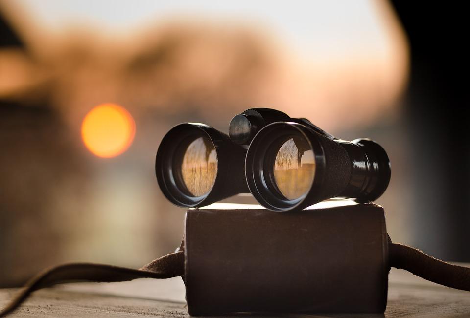 binoculars-1269458_960_720
