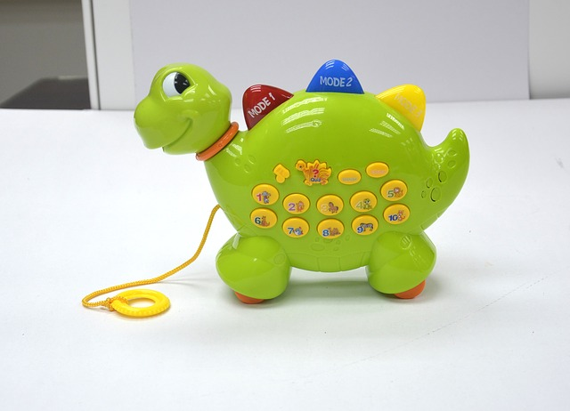 music-toy-dinosaurs-942361_640